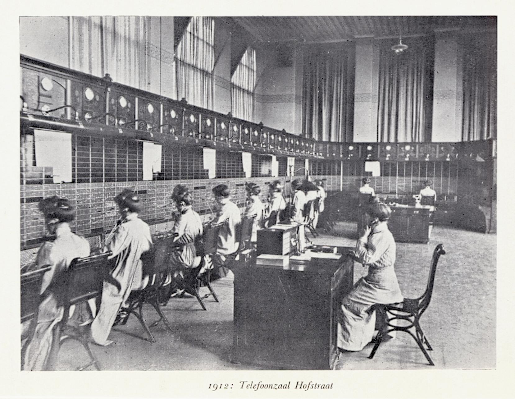 H03a-25 b Telefoonzaal Hofstraat 1912